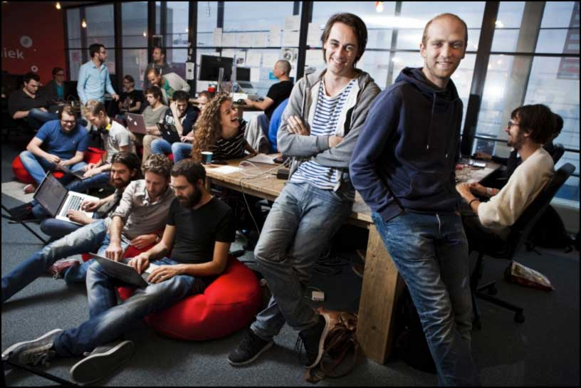 BLENDLE FOUNDERS : Two 28-year-old former Dutch journalists — Alexander Klöpping (left) and Marten Blankesteijn — founded Blendle in April 2014. As of July 2015, they report 360,000 users, 20 per cent of whom use the micropayment system. (Blendle photo)